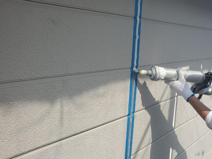 上尾市外壁塗装目地メンテナンス2階シーリング打替えでオートンイクシード充填