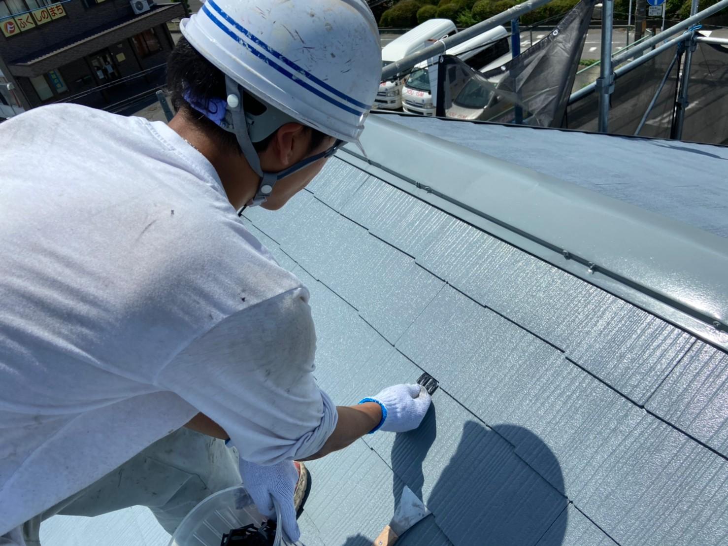 上尾市日の出屋根塗装下塗り終えタスペーサー設置