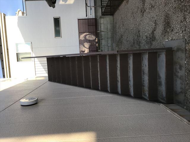 白岡市塗膜劣化がある外階段