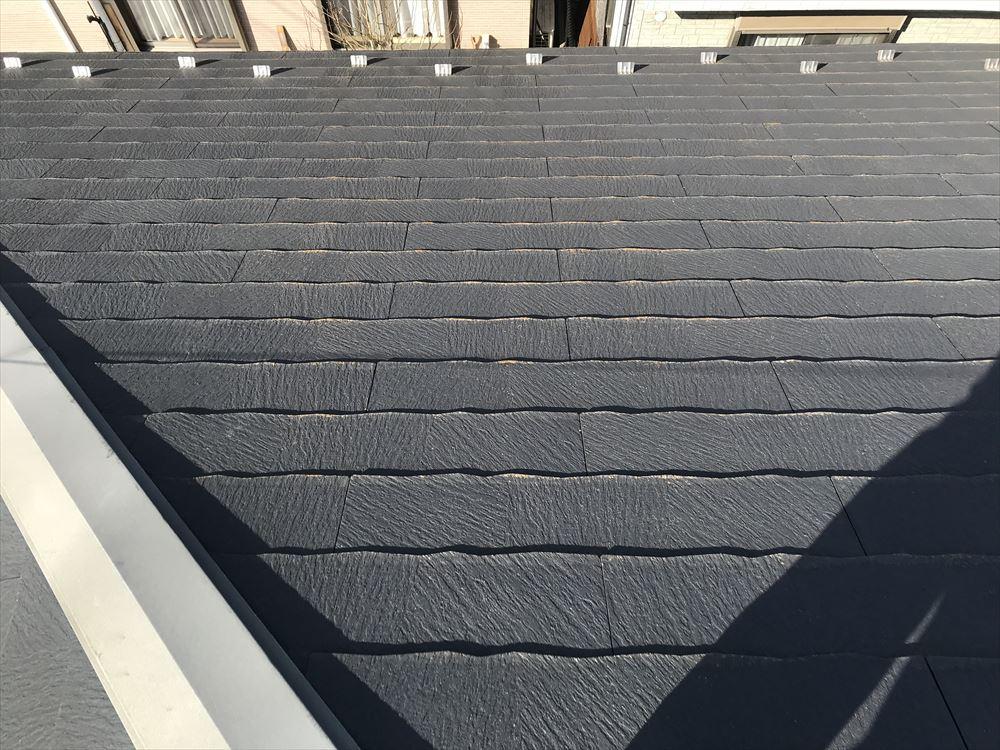 上尾市スレート屋根北側の劣化