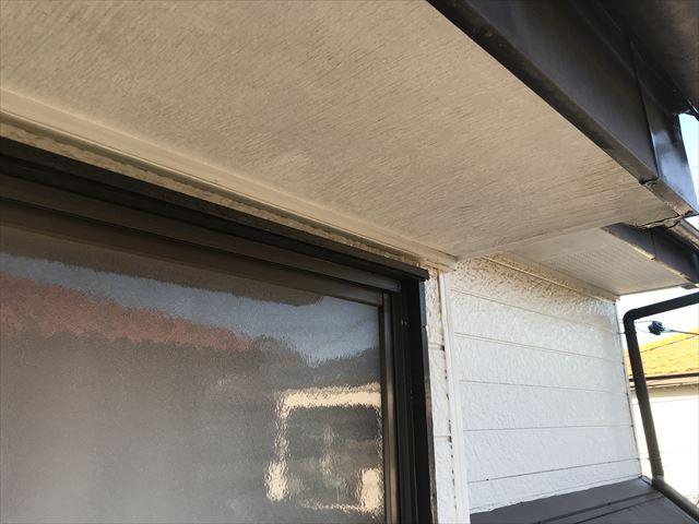 伊奈町の外壁塗装前に補修する予定の2階軒天