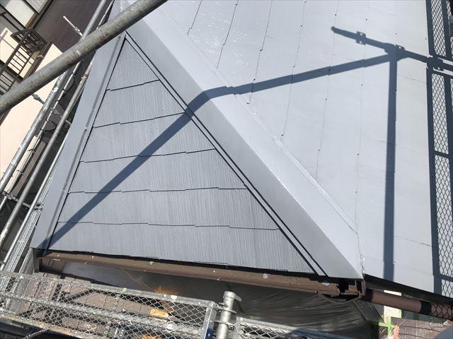 伊奈町のスレート屋根の下塗り完了