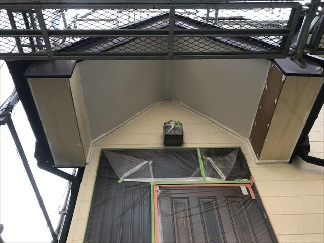 伊奈町で外壁塗装前の補修作業新軒天材取付終了