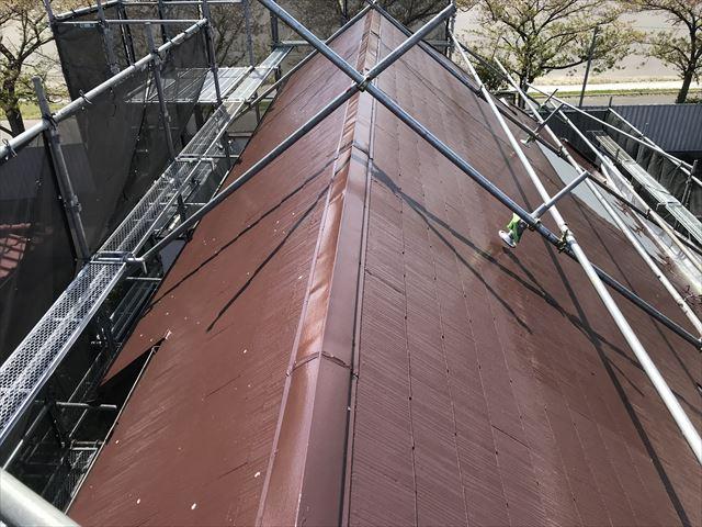 伊奈町スレート屋根にアステックスーパーシャネツサーモで中塗りほとんど完了