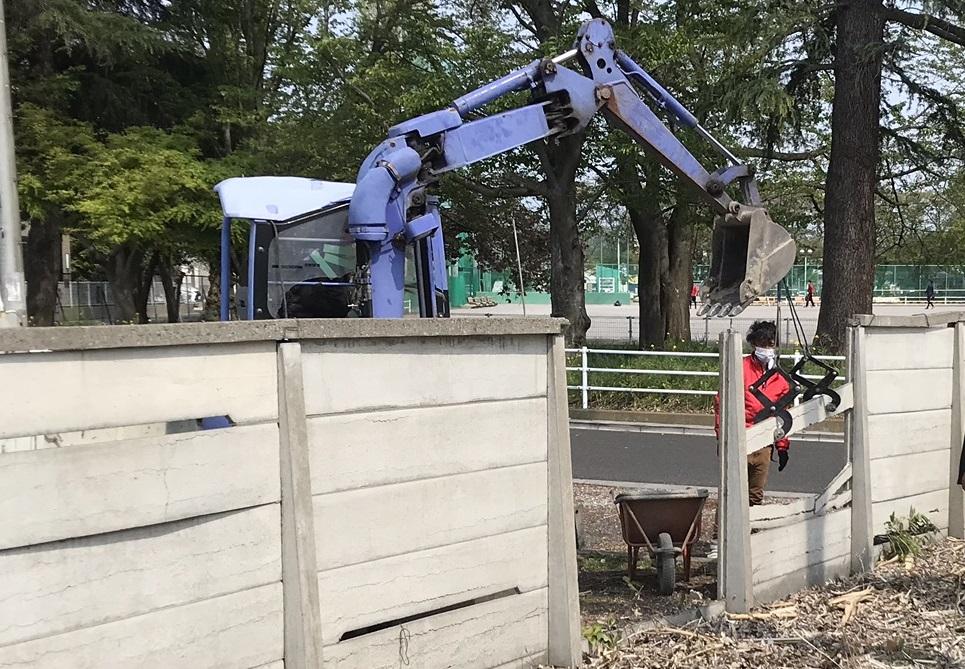 さいたま市北区万年塀設置の為既存塀解体