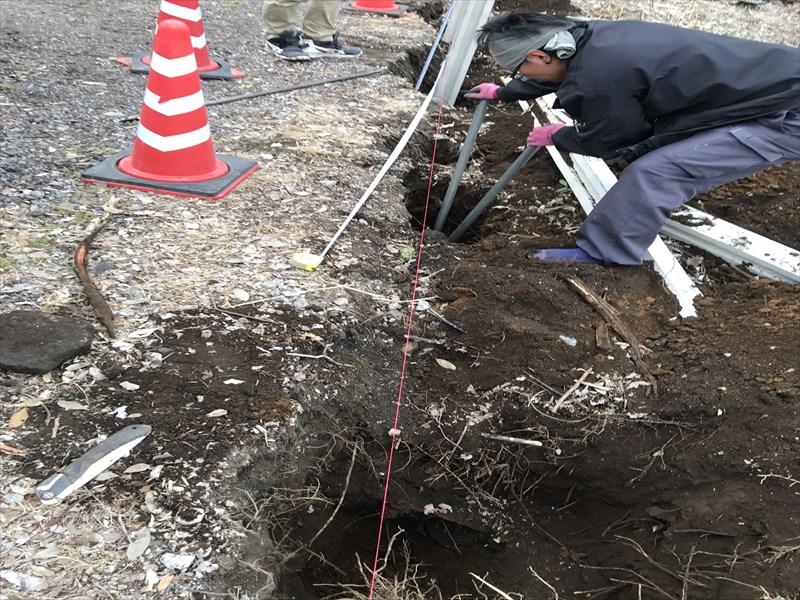 さいたま市北区万年塀の支柱設置の為穴掘り