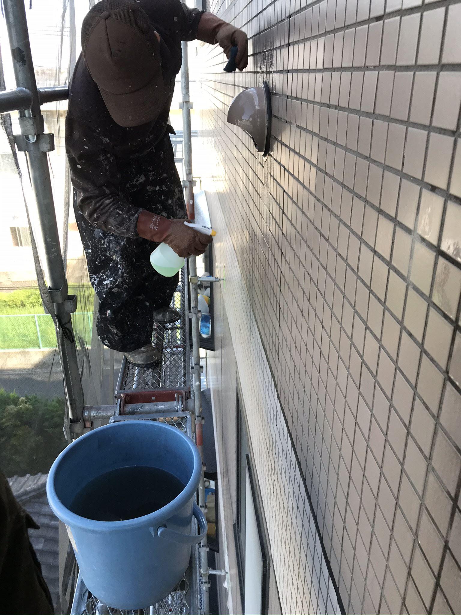 さいたま市北区マンションタイル外壁水あか除去