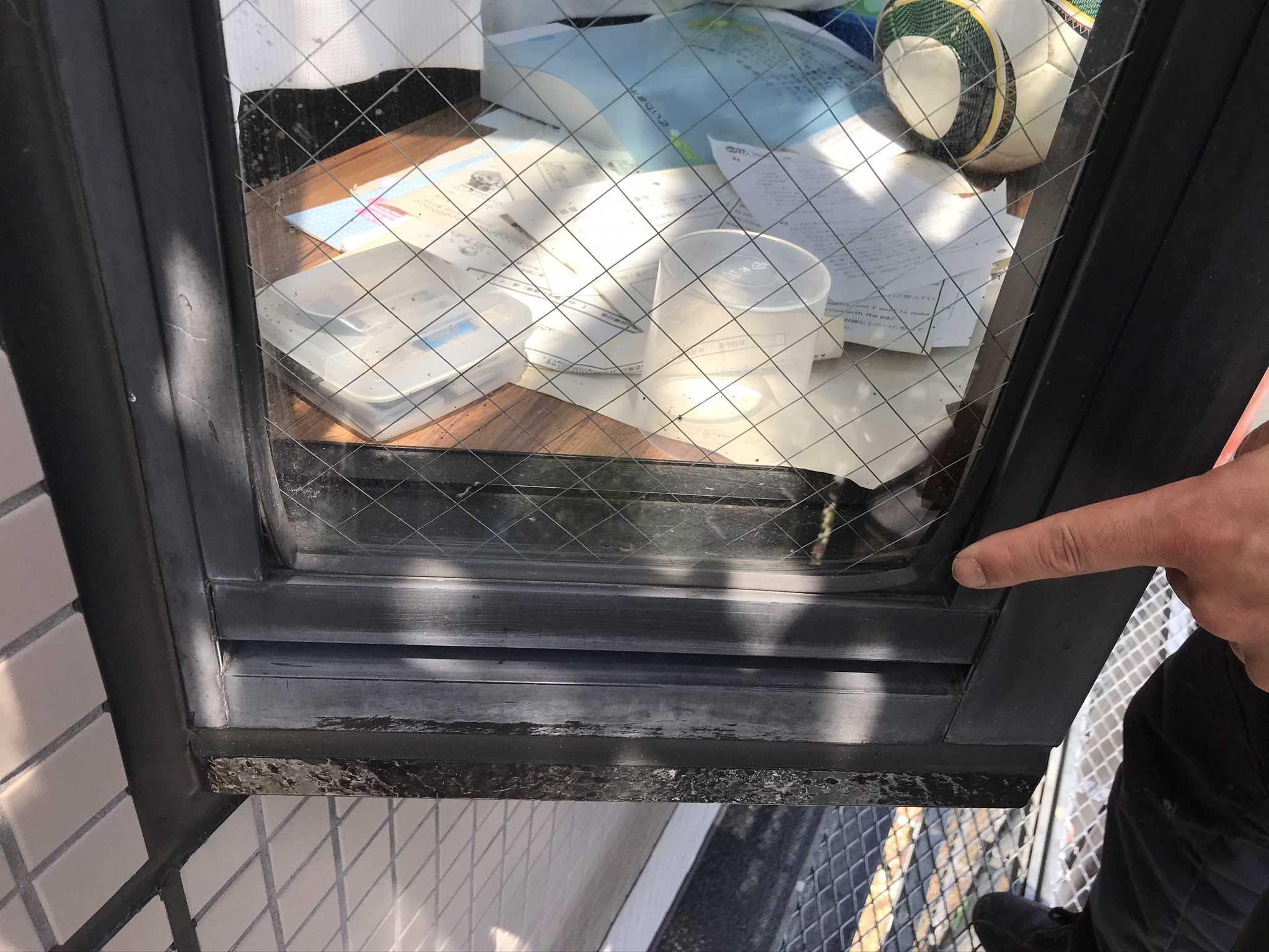 さいたま市北区マンション築20年で劣化した窓枠ゴムパッキン