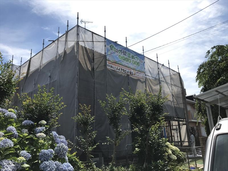 伊奈町の外壁塗装の為仮設足場及び養生ネットシート設置