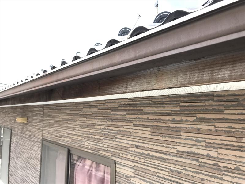 伊奈町の外壁塗装前点検木製の鼻隠し状態