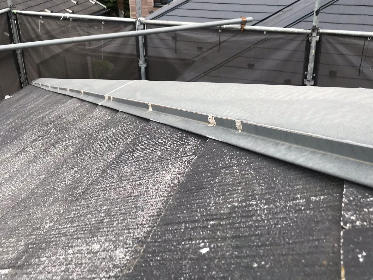 上尾市屋根塗装前棟板金止め釘不良補修