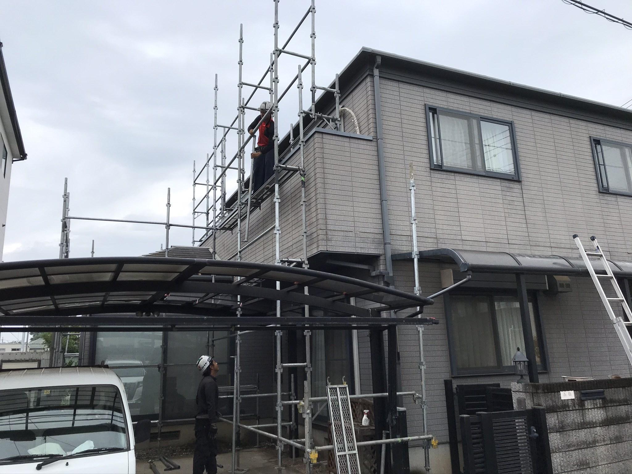 桶川市の屋根・外壁塗装の為仮設足場設置