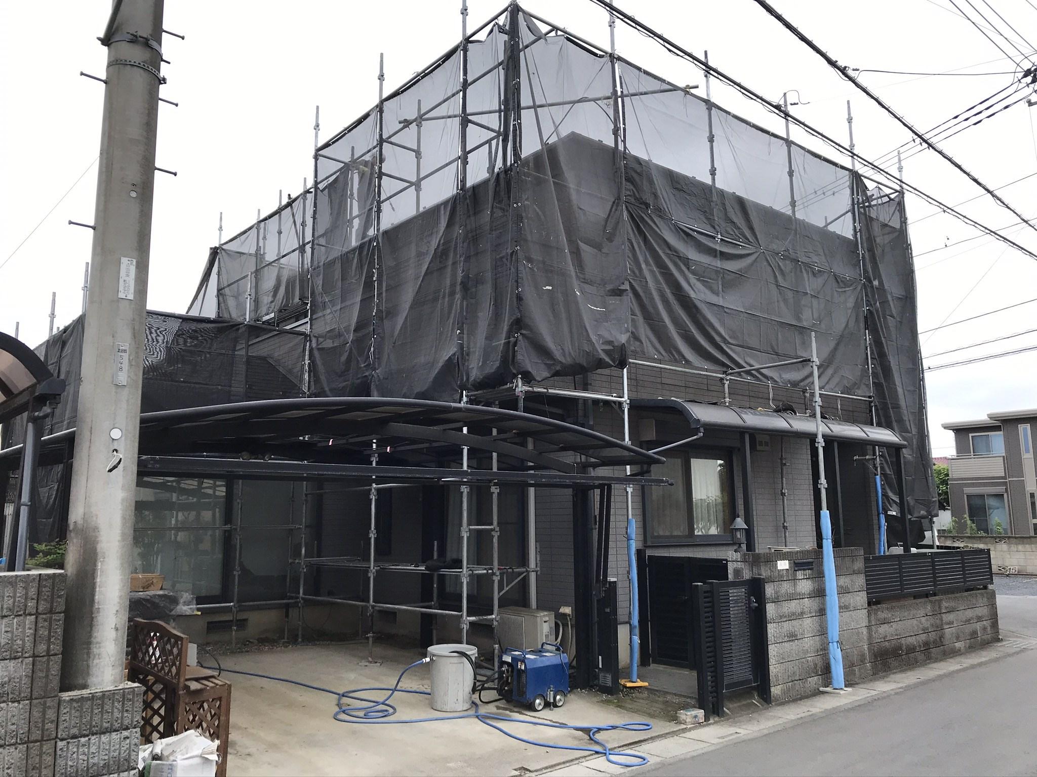 桶川市の屋根・外壁塗装の為仮設足場設置完了