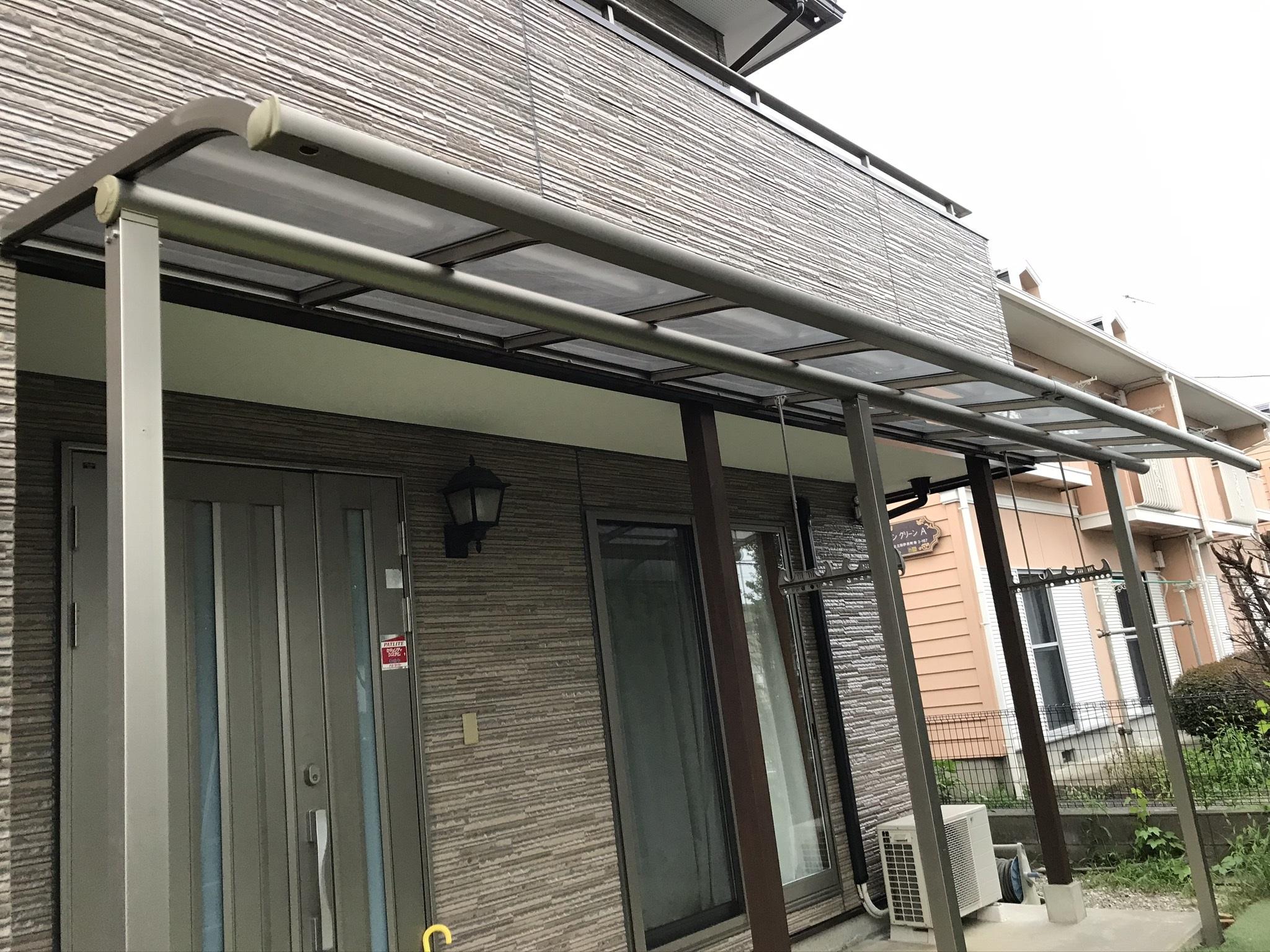奈町外壁塗装終え足場解体後にテラス屋根設置