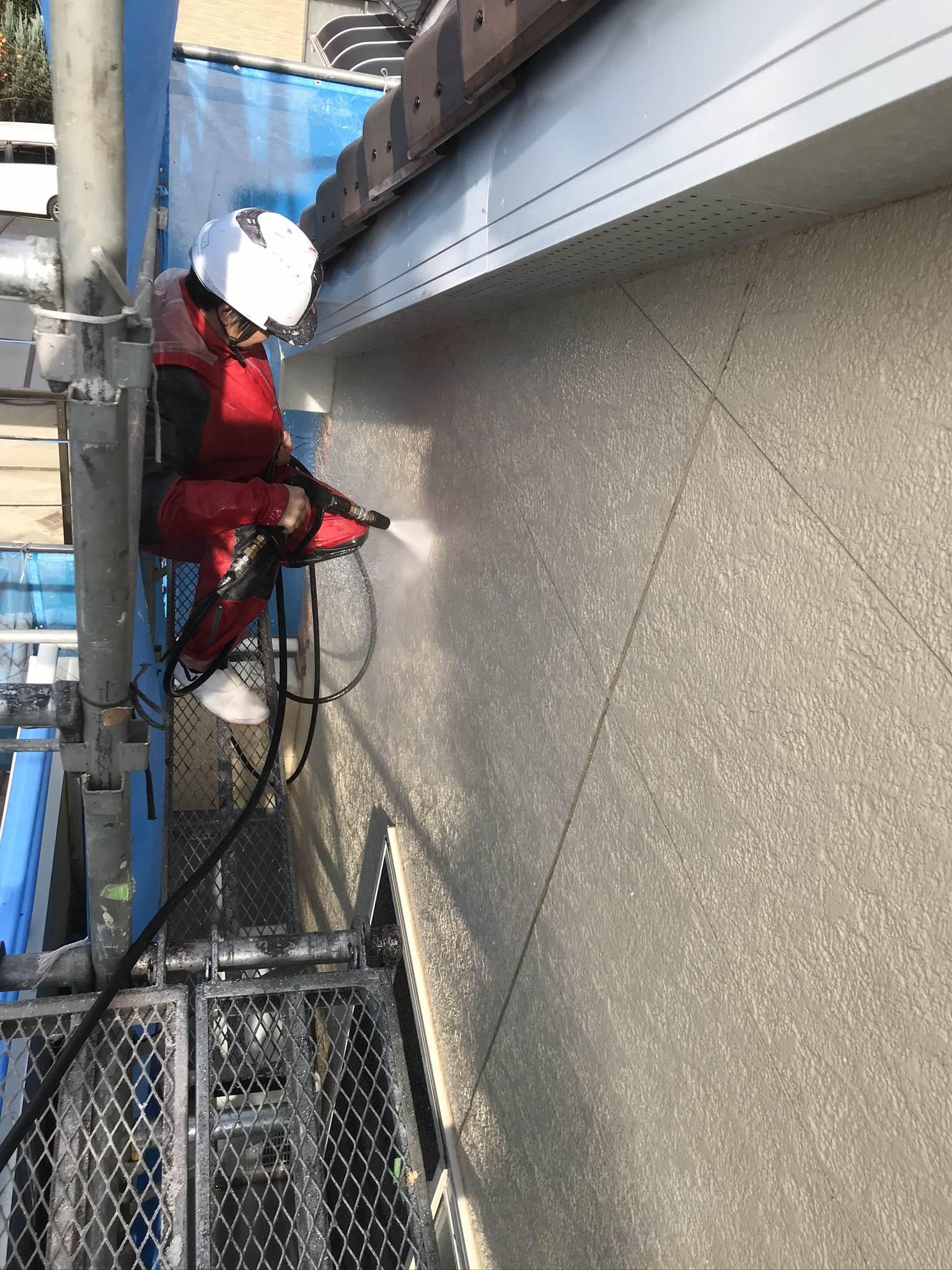 伊奈町外壁塗装前の2階外壁高圧洗浄