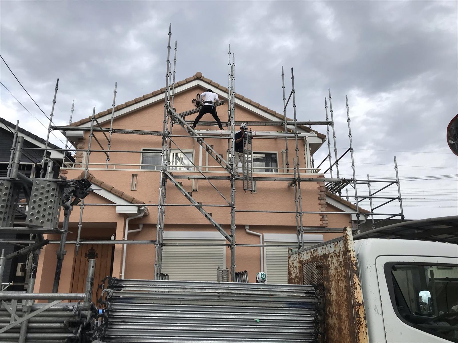 伊奈町西小針外壁塗装完了し仮設足場解体開始