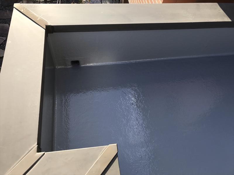 さいたま市岩槻区陸屋根防水トップコート1回目塗布完了