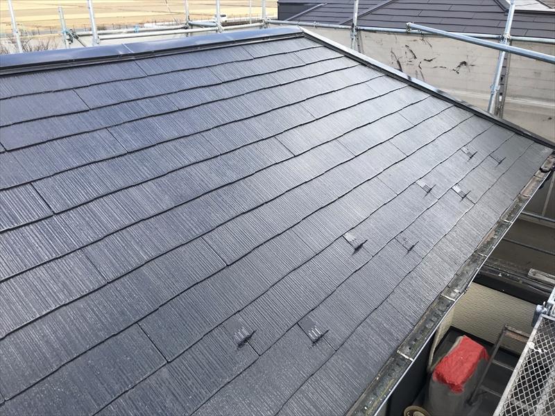伊奈町賃貸一軒家スレート屋根塗装上塗り完了