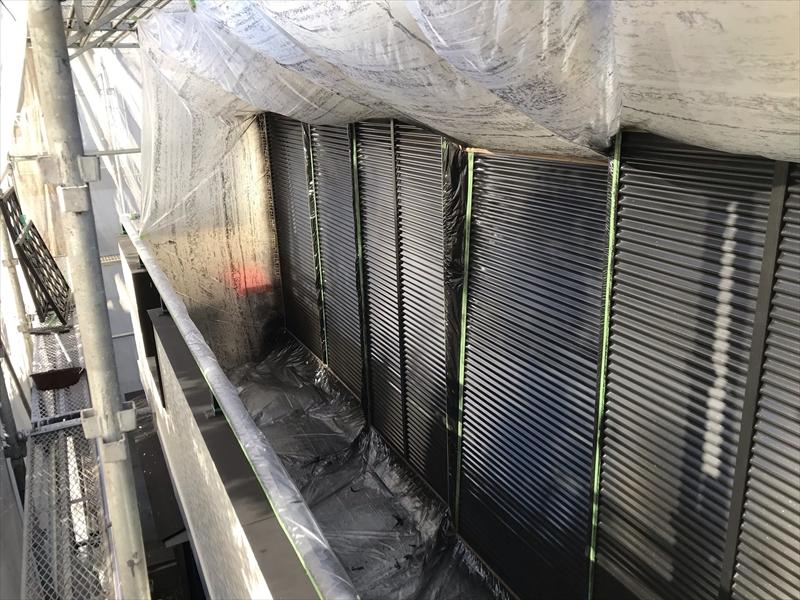 伊奈町賃貸一軒家外壁塗装付帯鉄部ベランダ雨戸吹付塗装