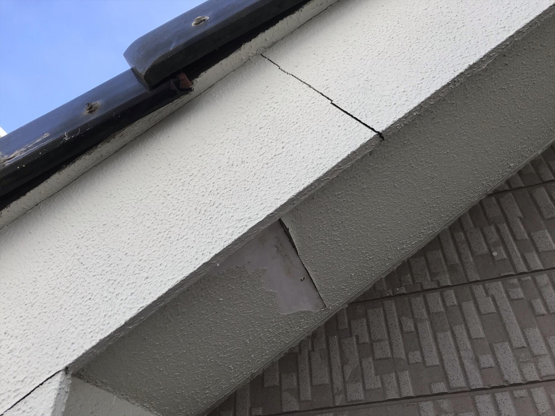 上尾市原市の外壁塗装無料点検時に破風板劣化不良個所アップ