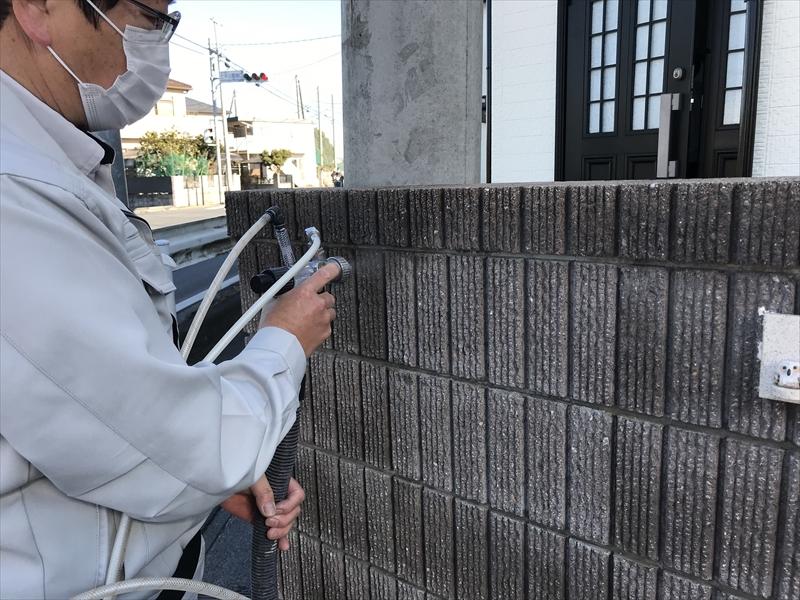 上尾市門塀廻りに光触媒コーティング剤「NFE2」を吹付塗布