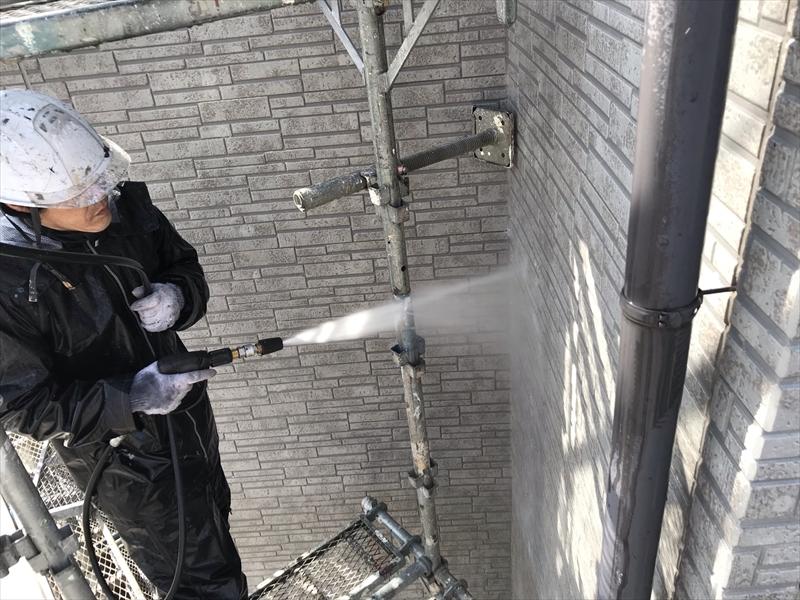 伊奈町寿外壁塗装の為高圧洗浄