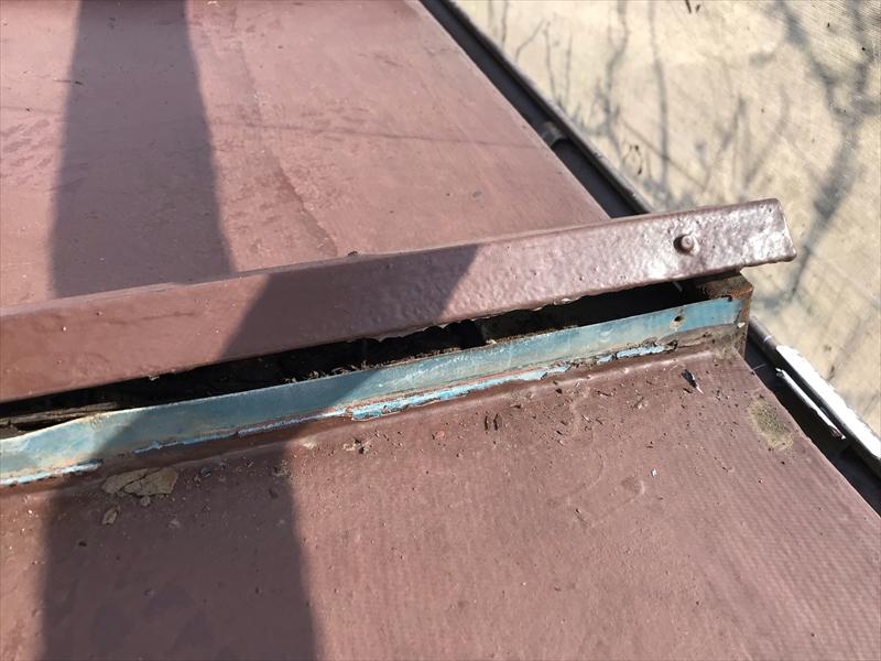 伊奈町瓦棒トタン下屋根心木が腐食