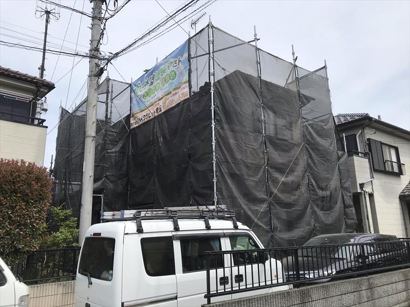 鴻巣市の屋根・外壁塗装で仮設足場設置