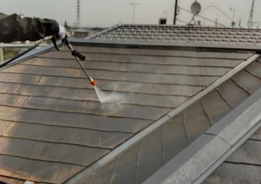 鴻巣市屋根塗装の為高圧洗浄