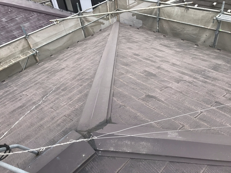 上尾市高圧洗浄後塗装前のスレート瓦屋根状態
