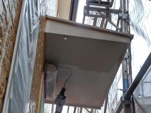 上尾市壱丁目外壁塗装付帯部分庇裏軒天塗装