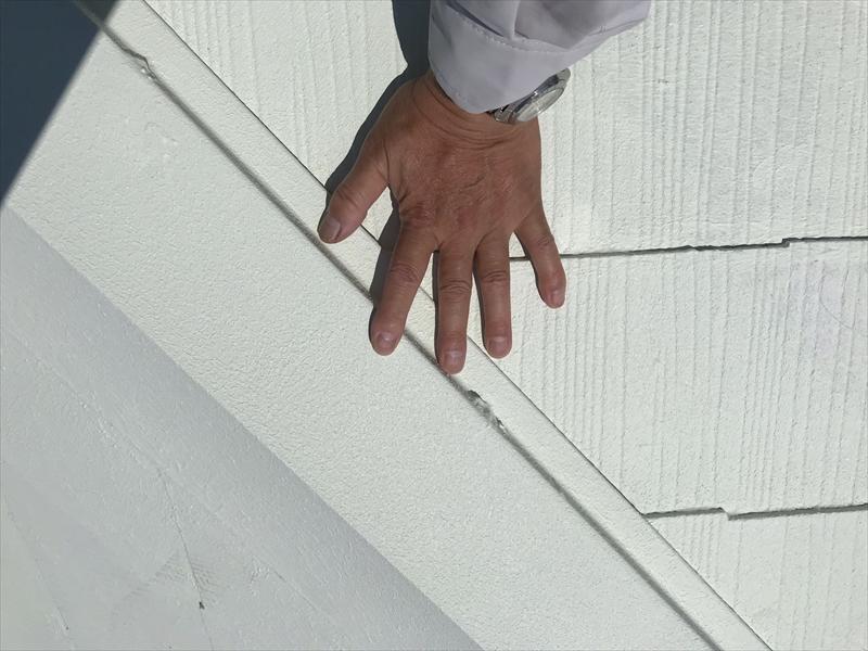 上尾で屋根中塗り完了し真夏日に熱くなっていない「キルコ」