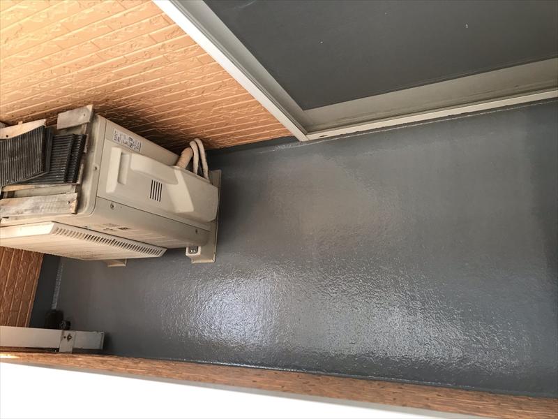 上尾市壱丁目のバルコニーFRP防水床のトップコート塗り替え工事完了