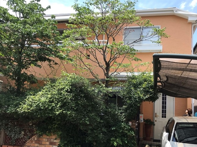 上尾市壱丁目の屋根・外壁塗装工事完了し足場も解体されたW様邸