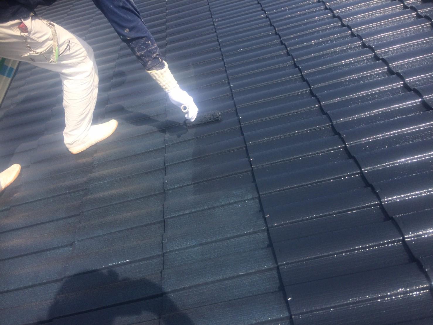 屋根塗装仕上げ塗り