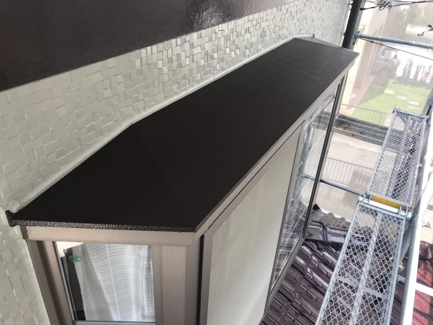 出窓庇の上塗り