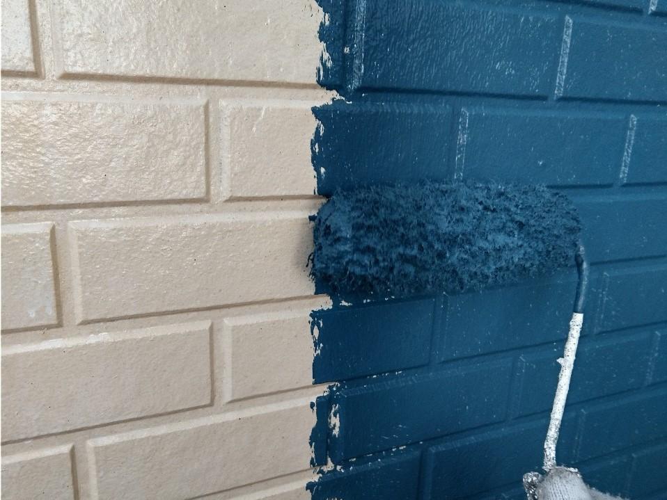 伊奈町賃貸一軒家アステック「シリコンREVO1000」で1階の中塗り