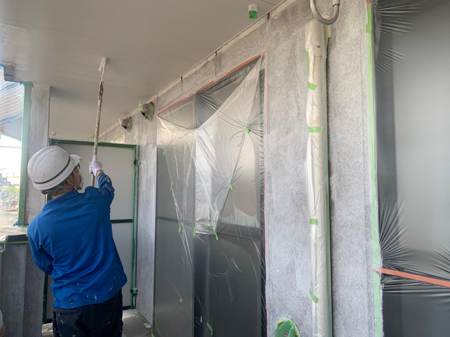 さいたま市北区のマンションベランダ内の軒天塗装上塗り