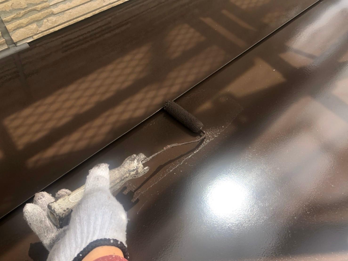 伊奈町外壁塗装付帯鉄部の上塗り塗装作業