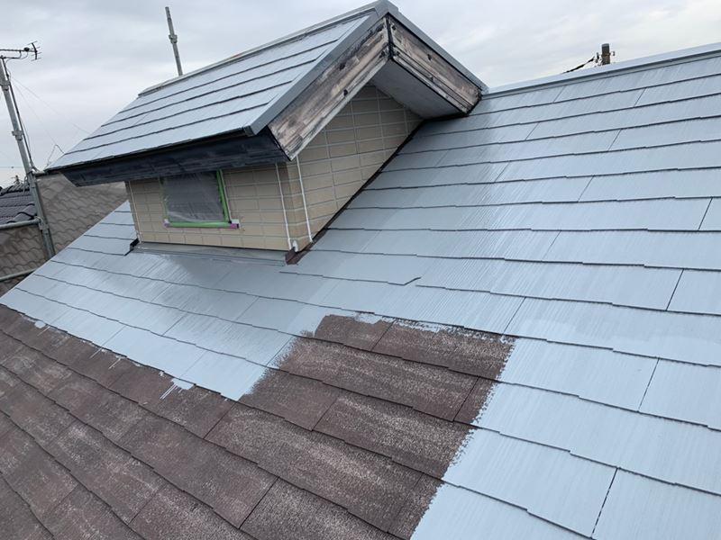 岩槻区スレート屋根南側下塗り開始