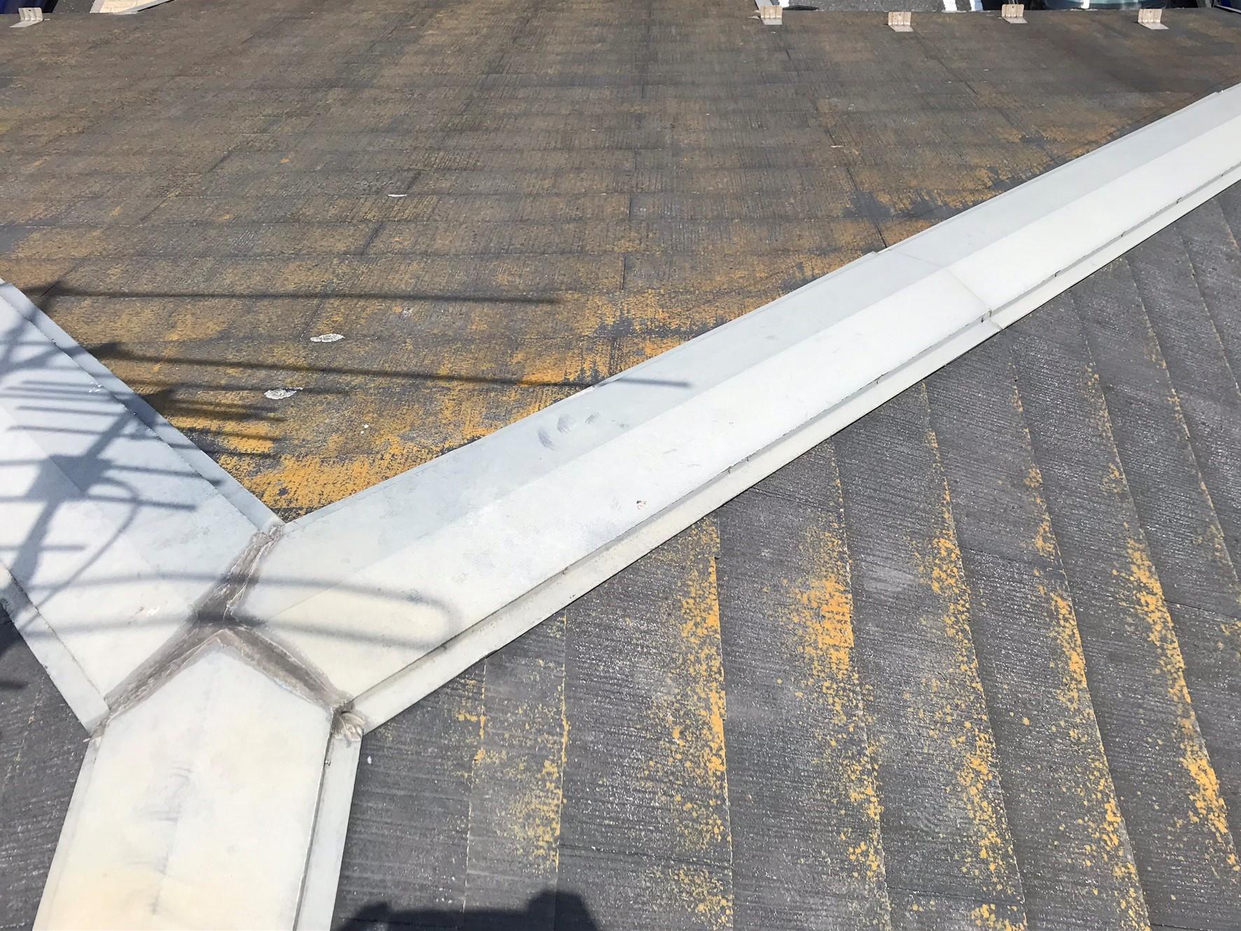 上尾市のスレート屋根無料点検北側屋根劣化で苔カビ