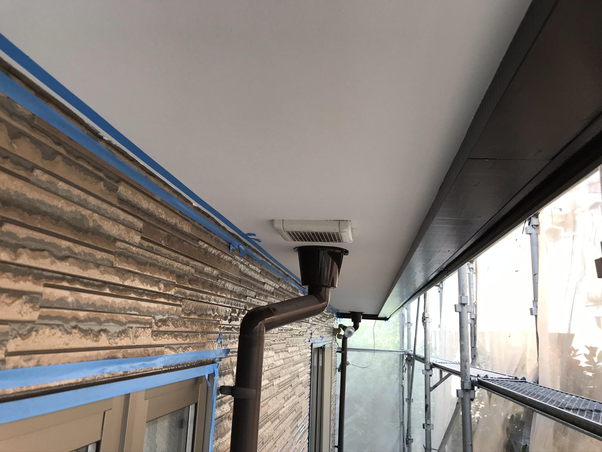 伊奈町の外壁塗装付帯部軒天塗装完了