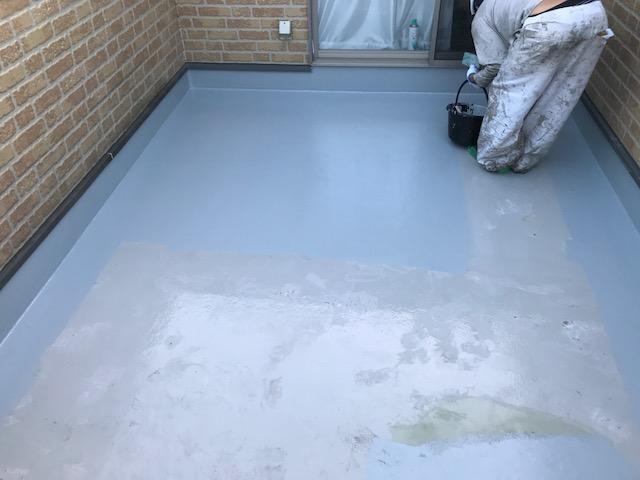 FRP防水の上塗工程