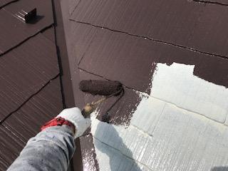 ニッペサーモアイSiでスレート屋根の中塗り