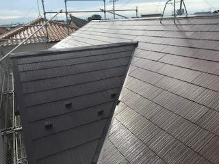 ニッペサーモアイSiでスレート屋根の上塗り完了