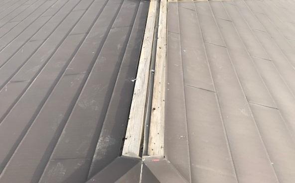 板金取れたスレート屋根の大棟