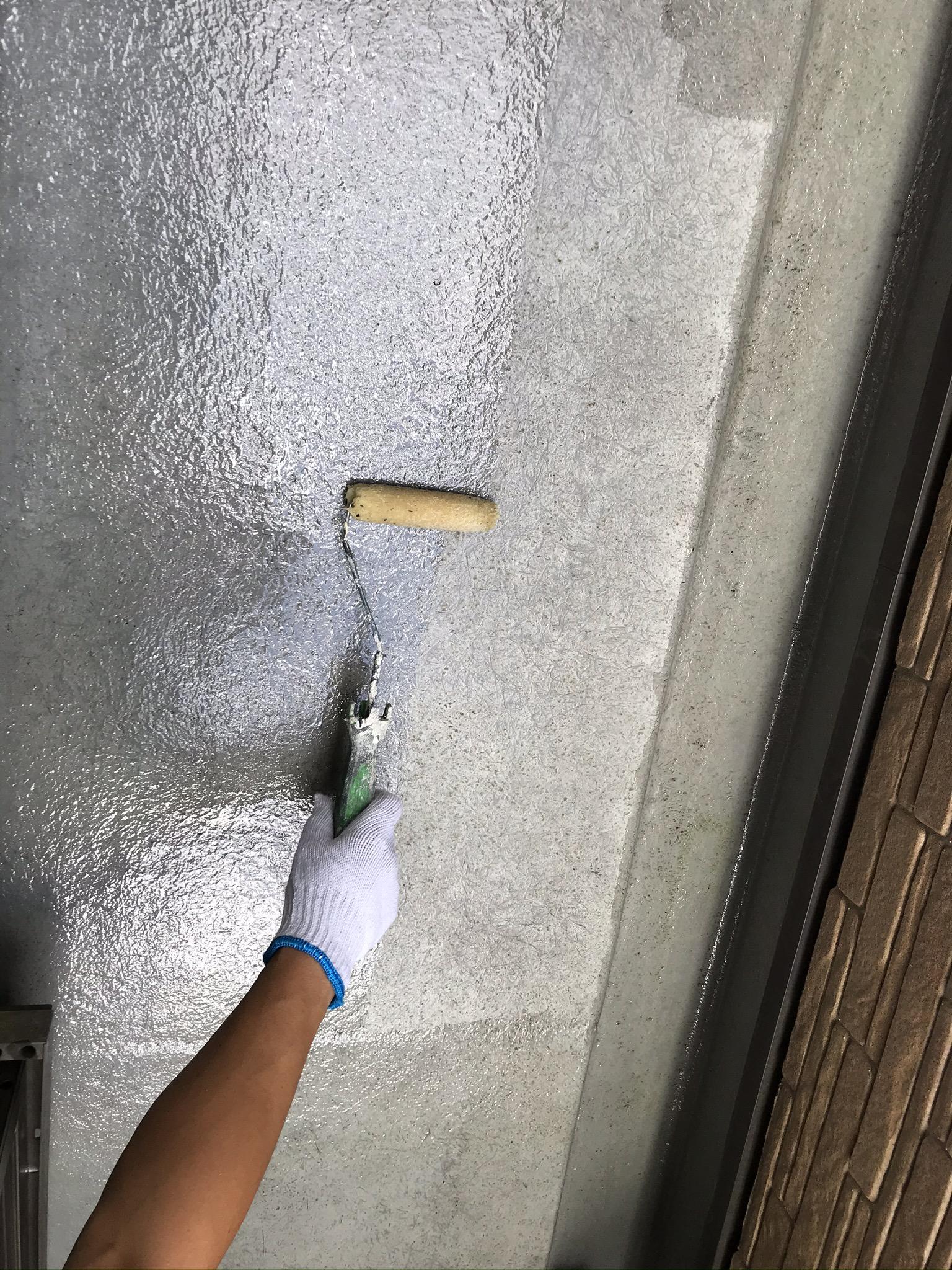 上尾市FRP防水トップコート用下塗りプライマー塗布