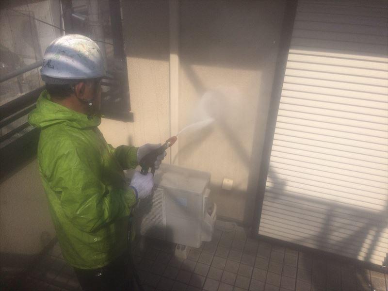 さいたま市北区でベランダの外壁洗浄