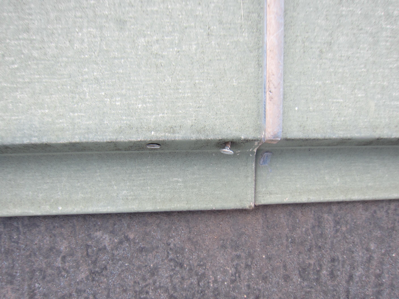 屋根棟包みの釘浮き