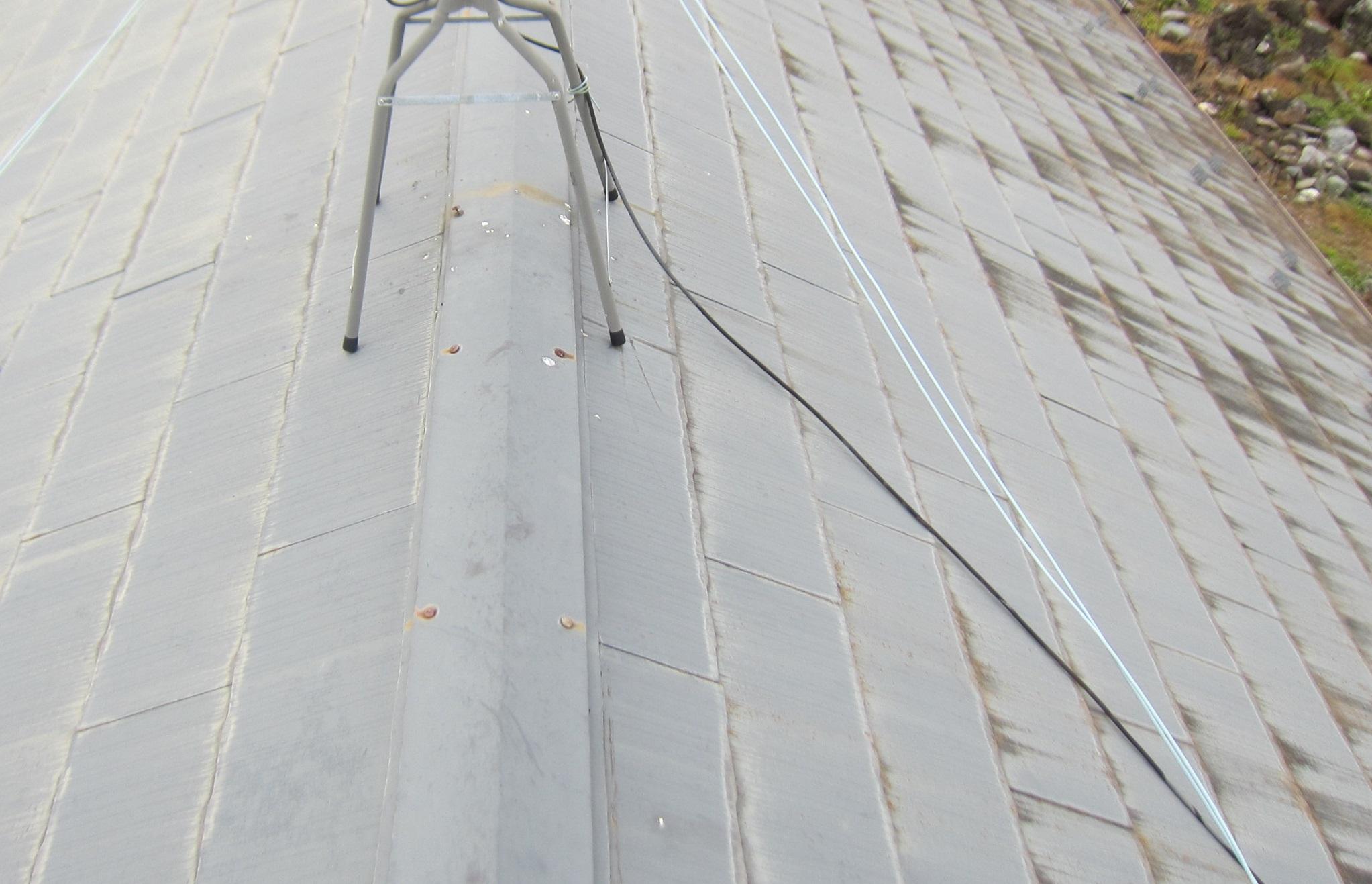 高圧洗浄前のスレート瓦屋根